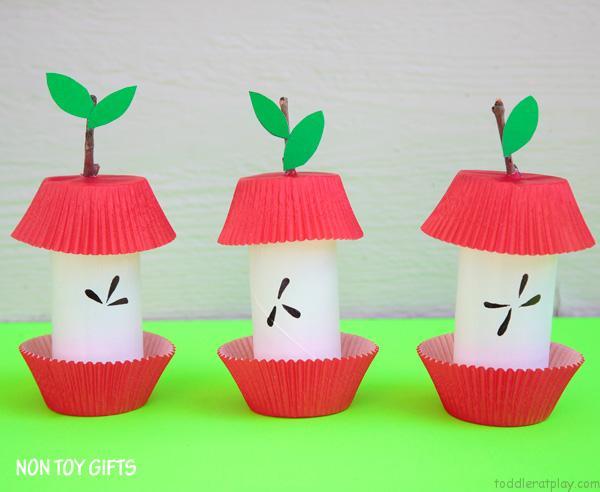 paper roll apple core