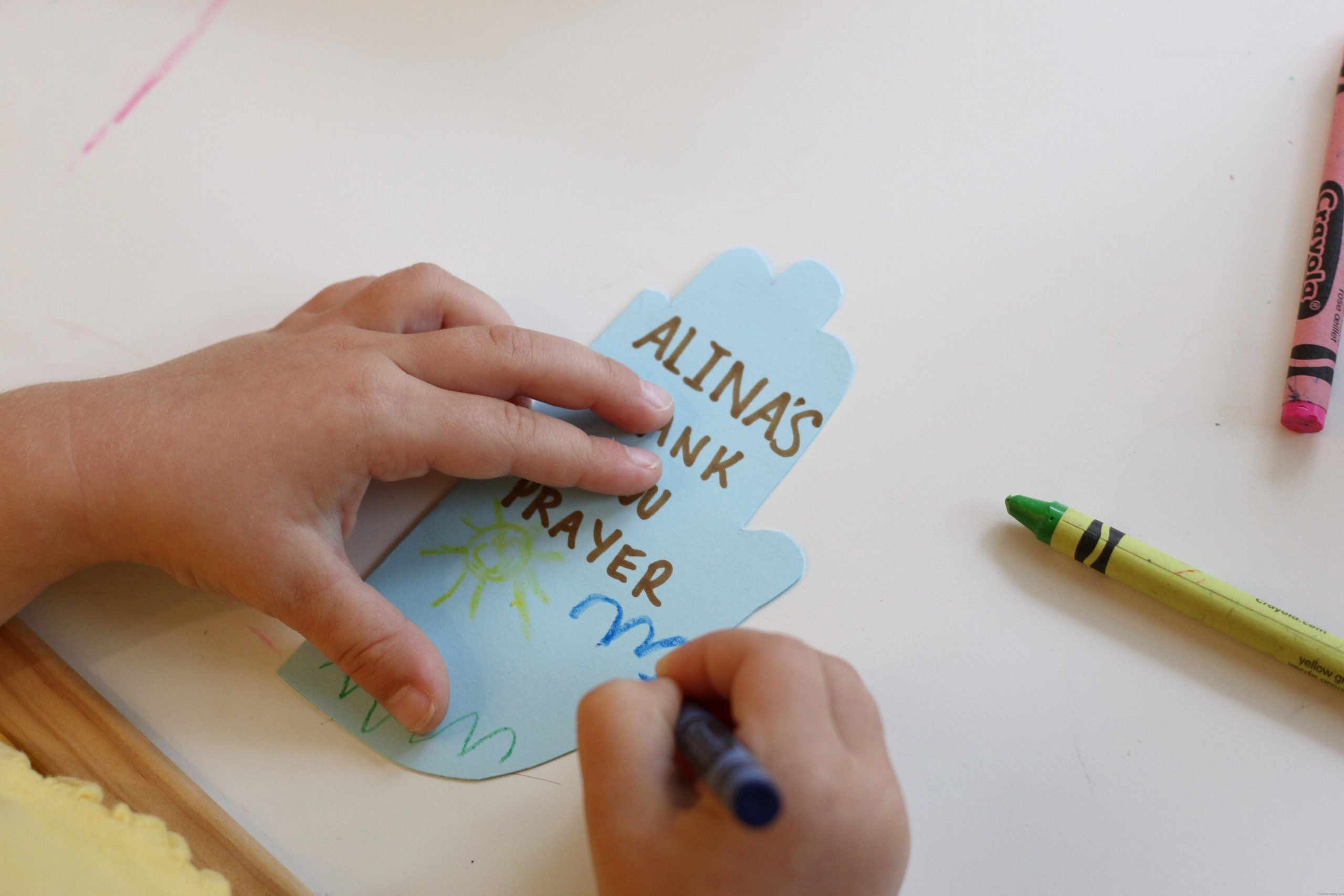 "Handprint ""Thank You"" Prayer Booklet + Free Printable"