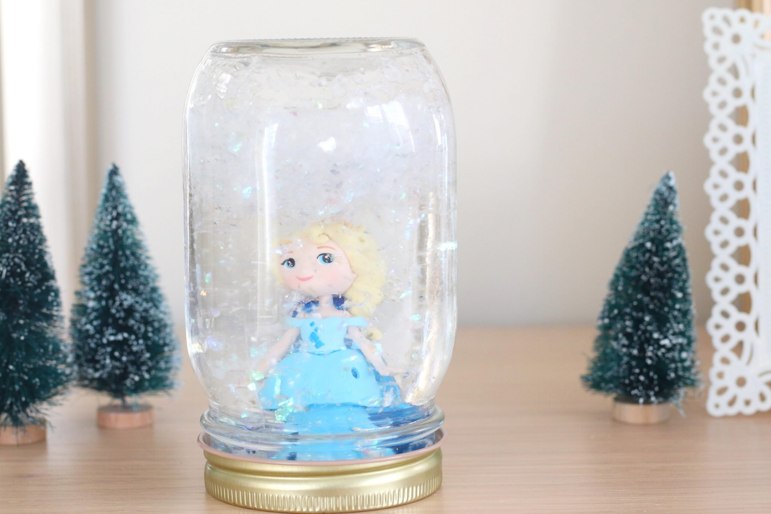 Elsa Snowglobe (Quick Video Tutorial)