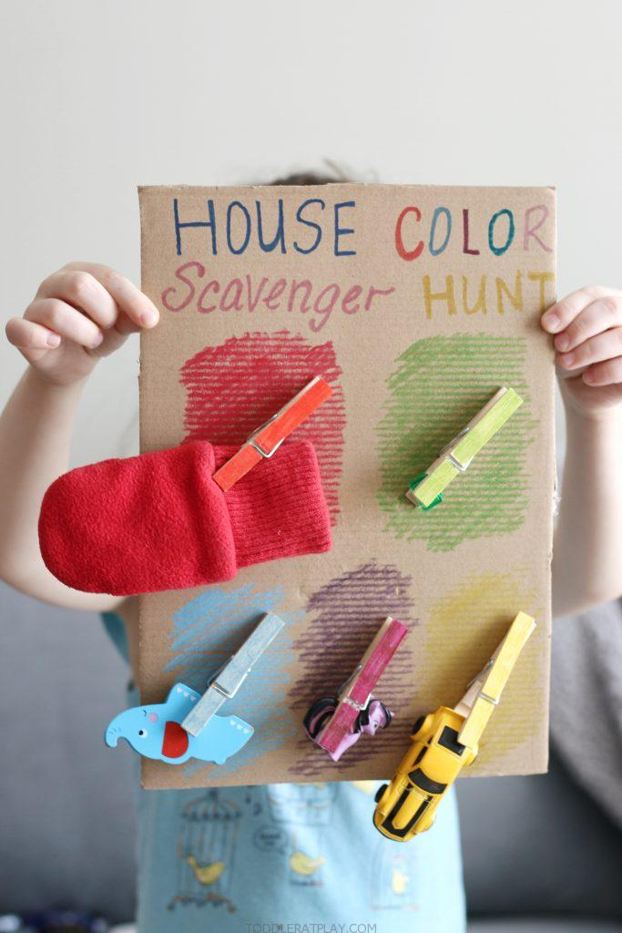 house color scavenger hunt- toddler at play (3)