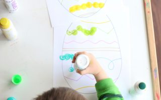 easter egg dot painting-toddler at play (6)