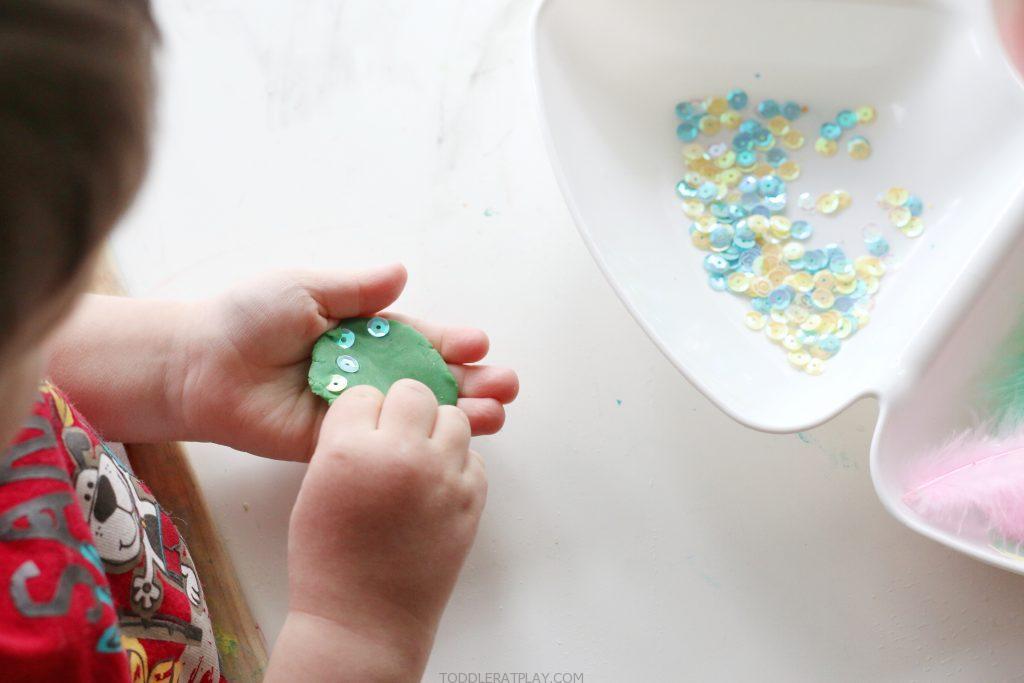 spring play-dough tray- toddler at play (4)