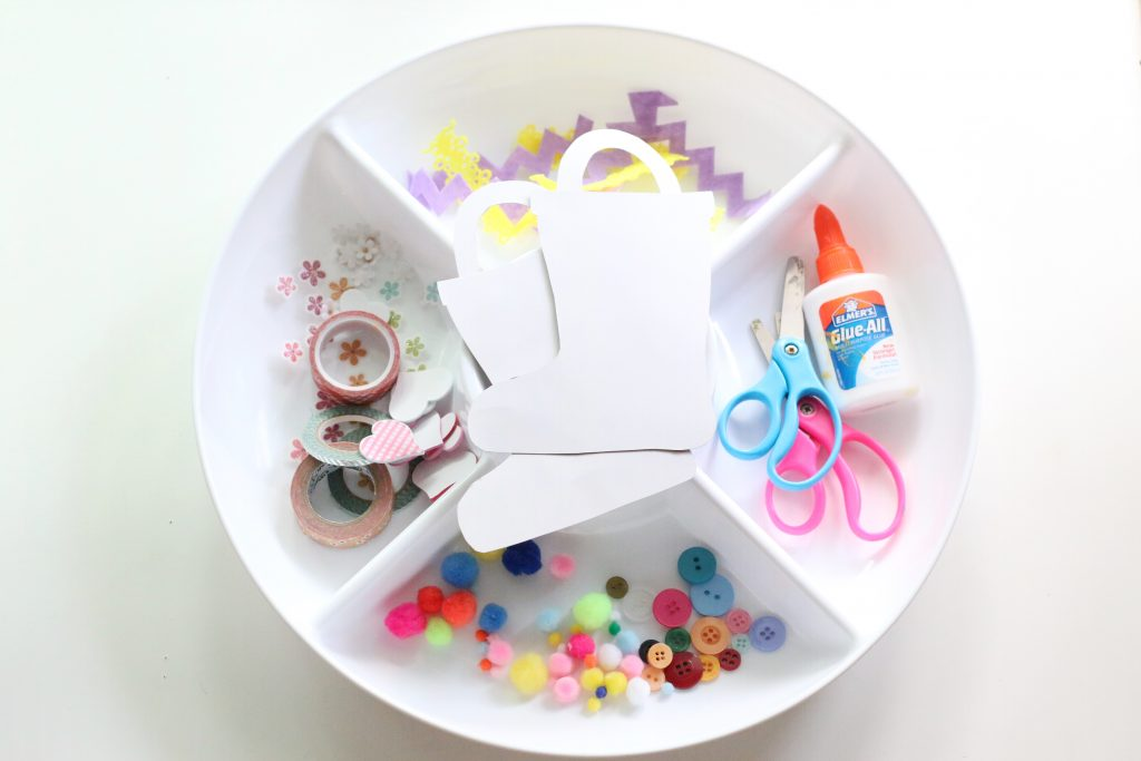 decorate the rainboots tray- toddler at play (1)