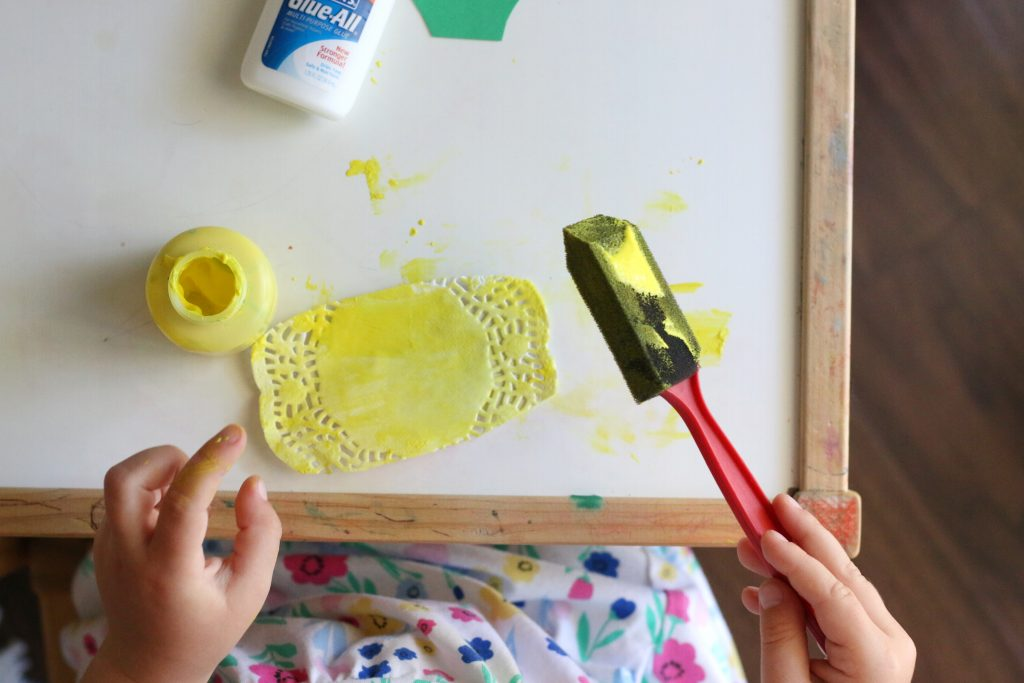 doily pineapple craft- toddler at play (1)