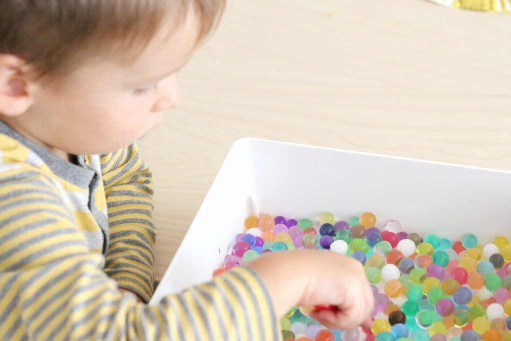 waterbeads number find- toddler at play (1)