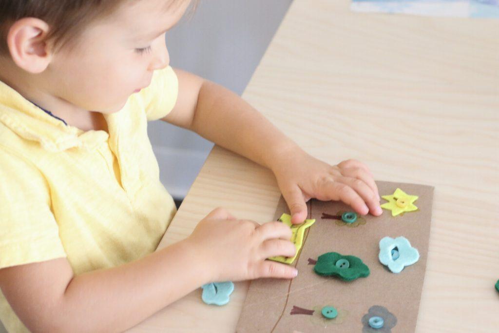 felt button art - toddler at play (1)