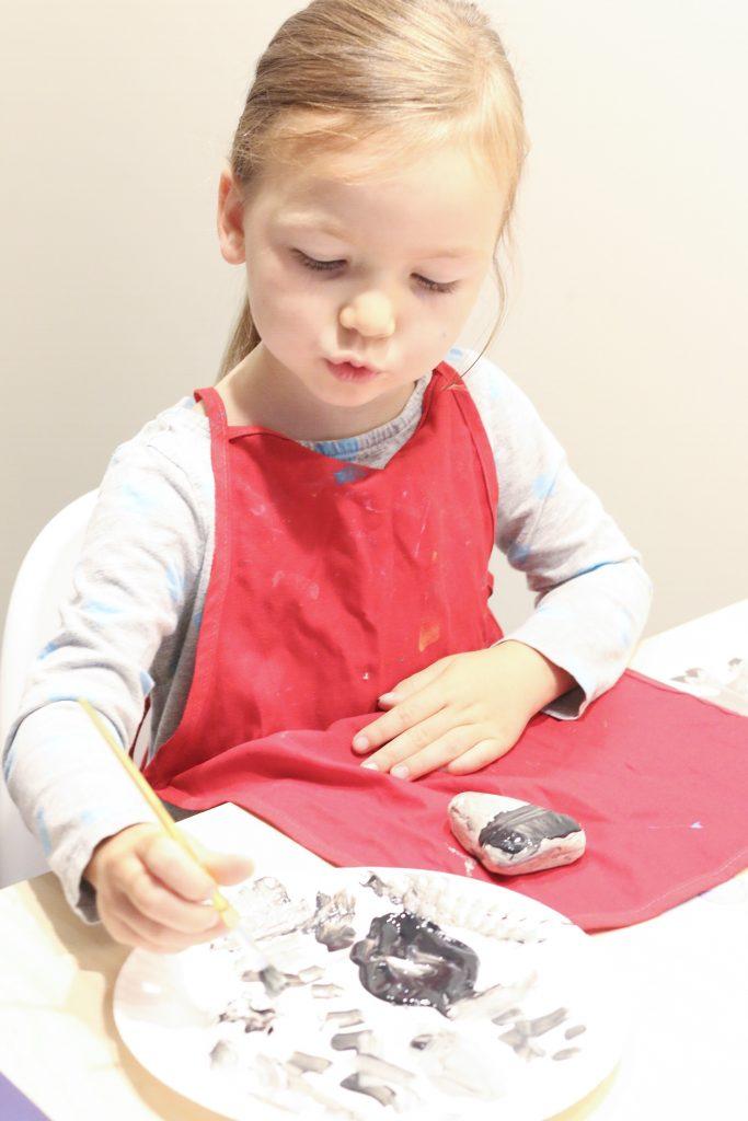 raccon rocks- toddler at play (4)