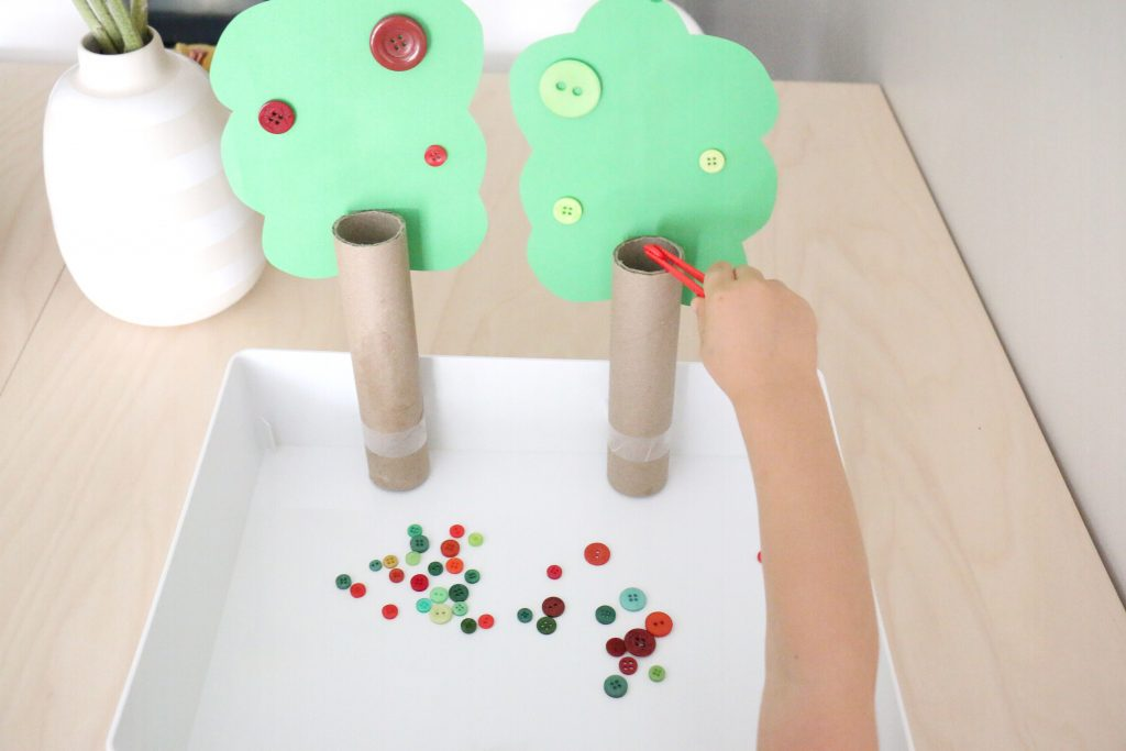 apple tree button color sort- toddler at play (1)