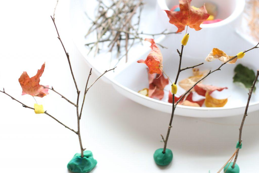 autumn play-dough tray invitation to create (1)