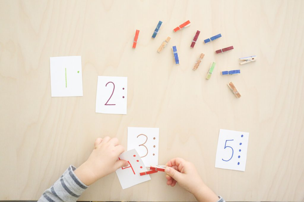 clothespin number cards- toddler at play (2)