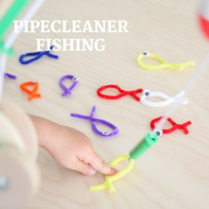 pipecleaner fishing- toddler at play (10)