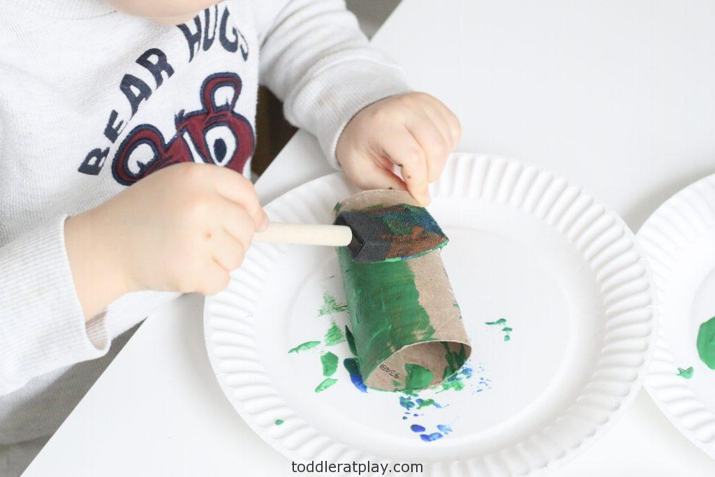 paper roll telescopes -toddler at play (1)