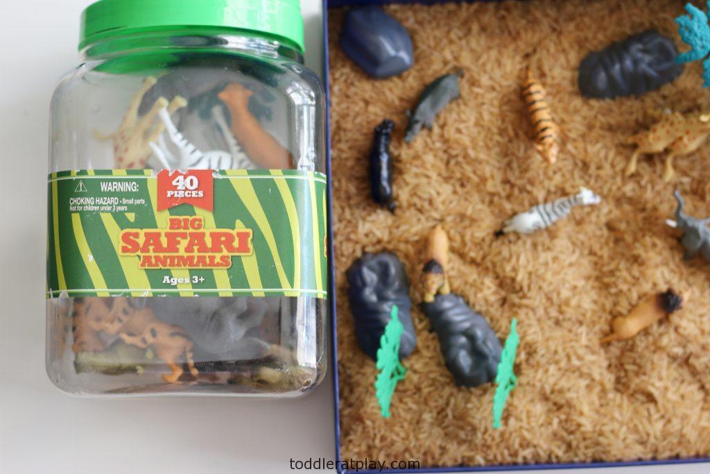 safari sensory bin (1)