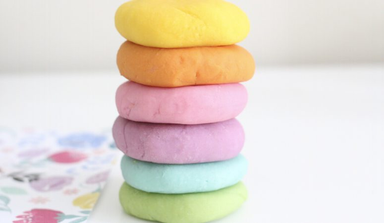 The Best Play-dough Recipe using Natural Food Dye