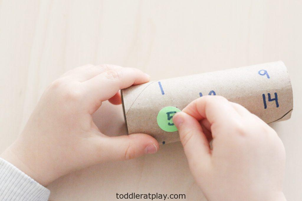 paper roll number match- toddler at play (3)