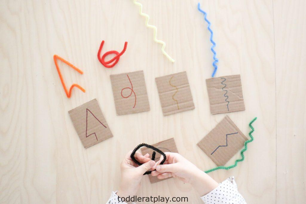 pipecleaner designs activity - toddler at play (4)