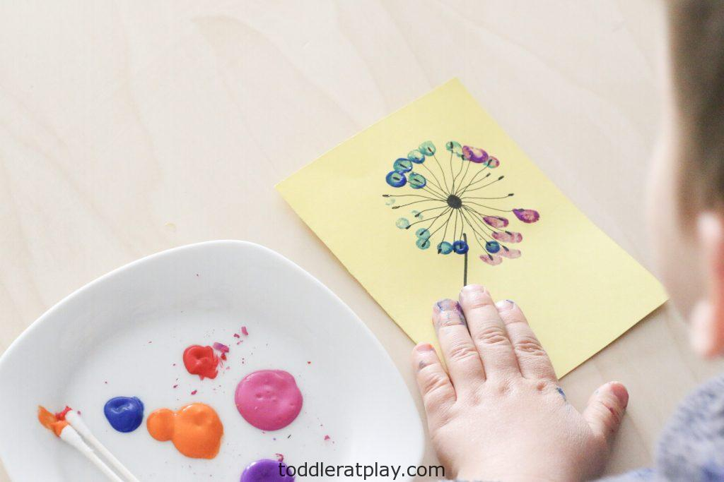 mother's day dandelion card- toddler at play (1)